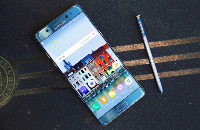 Galaxy Note 7R doi ten thanh Note FE, gia 10 trieu dong, sap ve VN